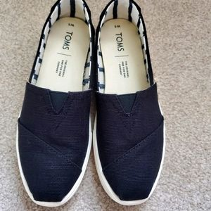 Size 5 Women's Black Canvas Toms with Whit…
